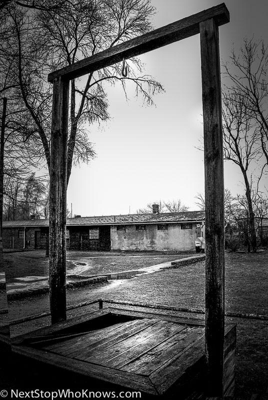 hang man gallows