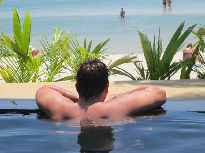 Koh Phangan Part 1: When elephants go mad and life's a beach!
