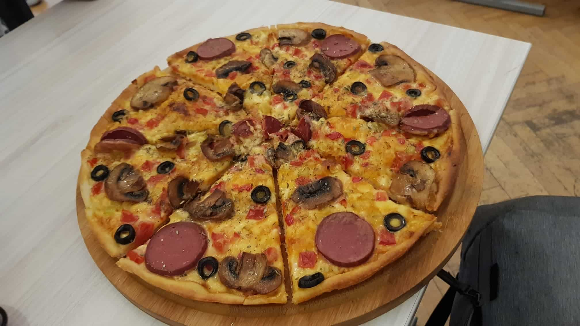 pizza kiwi vegan cafe tbilisi